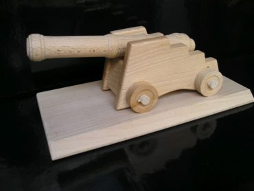 Festungskanone Kanone auf einem Sockel Holzspielzeug Geschenke