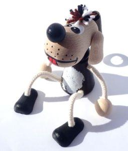 Hundespielzeug im Frühling Holzspielzeug