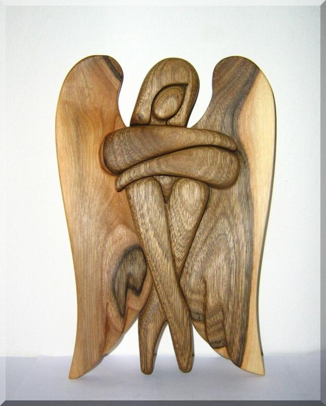 Geschnitzter hölzerner Engel, Statuette 24 cm Walnußholz