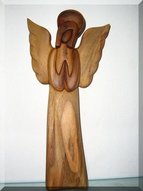 Statuette eines hölzernen Schutzengels, geschnitzt, Holzschnitzerei 23 cm, Nr. 142