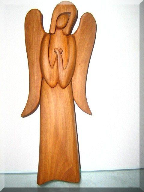 Statuette eines hölzernen Schutzengels, geschnitzt, Holzschnitzerei 23 cm, Nr. 146