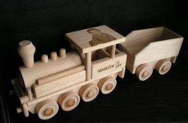 Holzgeschenke Holzspielzeug für Kinder