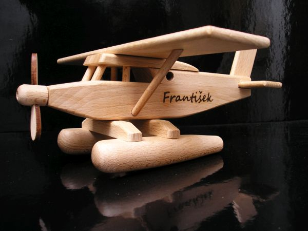 Darček lietadlo hydroplán | drevené darčeky a hračky