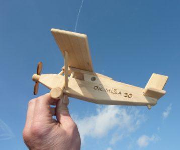 Holzflugzeug Typ Pilatus Holzspielzeug