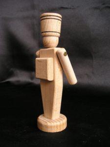 Holzsoldat - Holzspielzeug 12 cm.