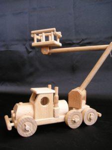 LKW-montierte Hubarbeitsbühnen Holzspielzeug Geschenke für Fahrer