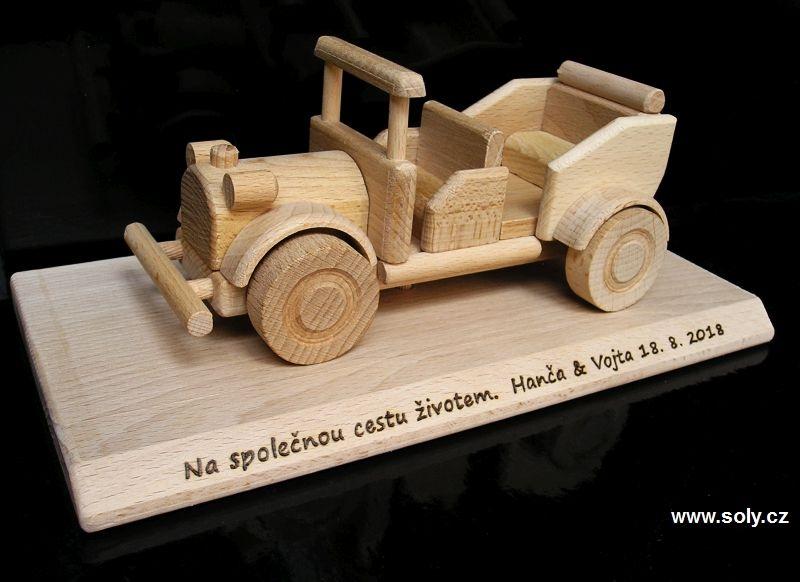 Veteran Holzauto, Fahrzeug, Veteranenauto Geschenke auf einem Sockel