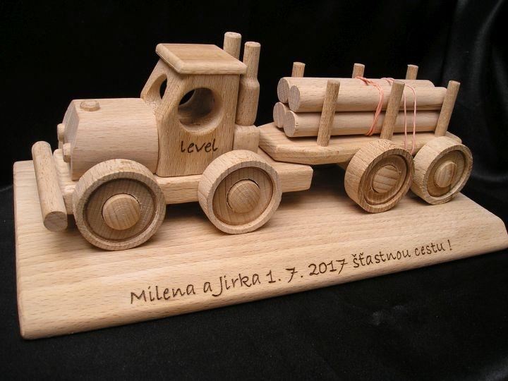 Forstwagen, LKW, Holzspielzeugwagen und Geschenke für Fahrer