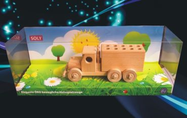 Spielzeug-Pull-up-Truck und hölzerner Stifthalter