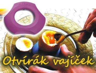 Weiche gekochte Eier und eine Tasse schälen, für Eier stehen