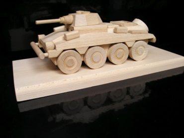 PUMA gepanzerter Personentransporter Holzspielzeug Geschenke