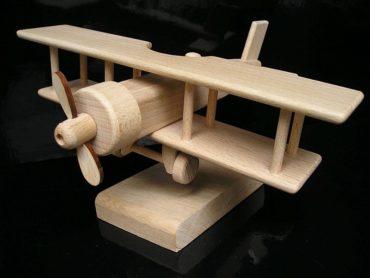 Geschenk Flugzeug Doppeldecker auf einem Ständer