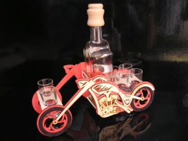 Geschenkflasche und Glas für Alkohol für Biker Geschenkflasche für Motorradfahrer MOTORKA chooper