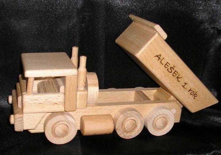 Tatra-Lastwagen und Bulldozer aus Holzspielzeug Tatra Spielzeugwagen und Bulldozer aus Holzspielzeug aus Holz
