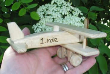Kleines Flugzeug, Holzflugzeug