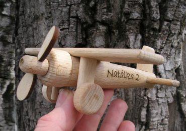 Holzspielzeug Kinderflug