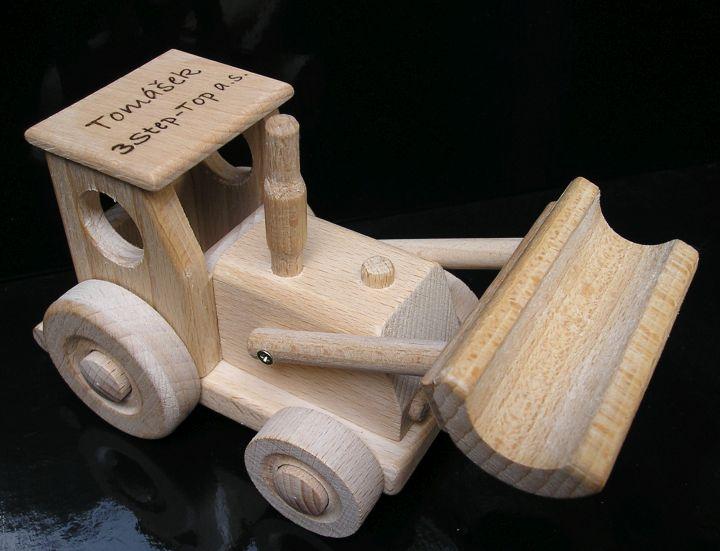 Traktor mit Klinge und LKW