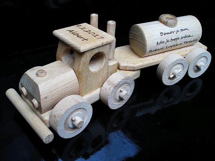 Cisterna, drevený kamión | hračka z dreva