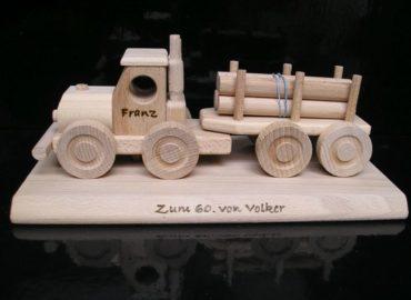 Wald-LKW, Holzspielzeug