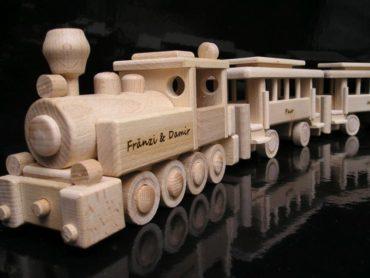 Holzspielzeug Holzgeschenke