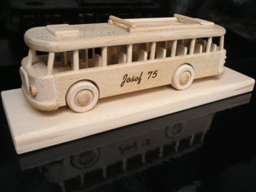 Holzgeschenke für Fahrer Holzgeschenke für Busfahrer und Angestellte von Transportunternehmen.