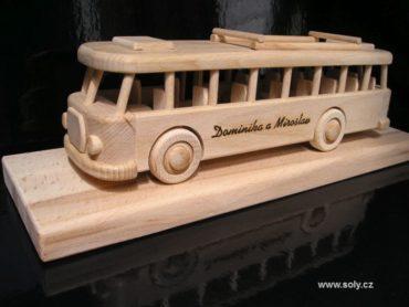 Holzgeschenke für Busfahrer und Mitarbeiter von Transportunternehmen.