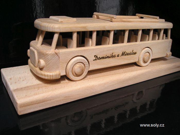 Holzbus, Bus mit SGeschenk für Busfahrerov a zamestnancov dopravných firiem.