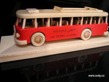 Holzgeschenk, Spielzeugbus