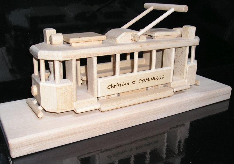 Holz Straßenbahn auf einem Sockel Holzgeschenke Geschenke für Fahrer