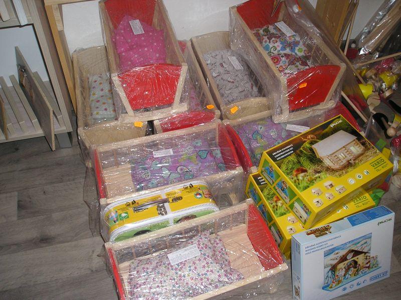Schaukelwiege, Holzwiege, Wiege für Puppen Holzspielzeug für Kinder