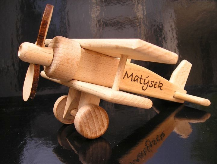 Spielzeug-kinder-flugzeug