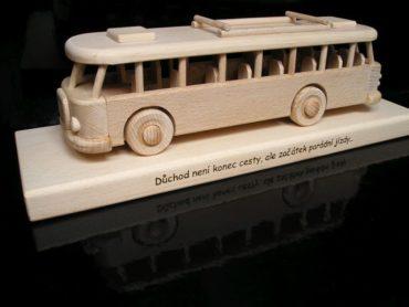 Holzgeschenke für Busfahrer und Angestellte von Transportunternehmen.
