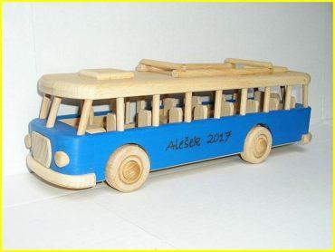 Bus RTO Spielzeug für Kinder, Holzbus