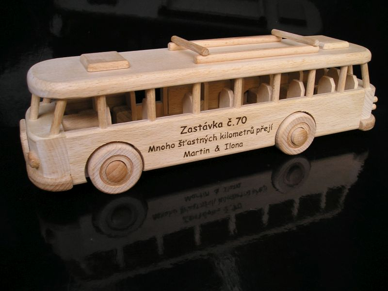 Kinder-Bus aus Holz, Geschenke und Spielzeug