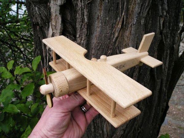 Holzflugzeug, Spielzeug für Kinder, Flugzeuge, Spielzeug mit dem Namen