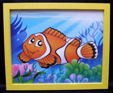 Seefisch, Fisch im Meer Kinder gemalte Bilder im Kinderzimmer