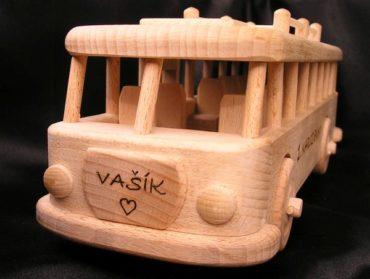 Holzgeschenke und Spielzeug für Busfahrer