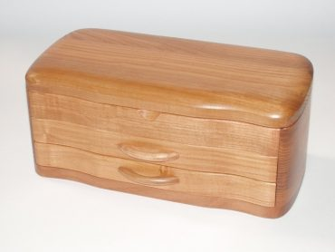 Zweistöckige Schmuckschatulle aus Holz mit Polsterung