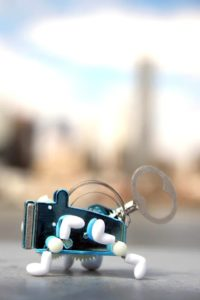 PEA mechanisches Blechschlüsselspielzeug für Kinder kikkerland