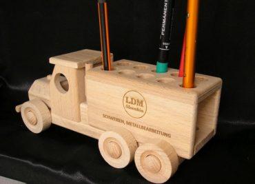 Stifthalter für Autos, Werbeartikel aus Holz