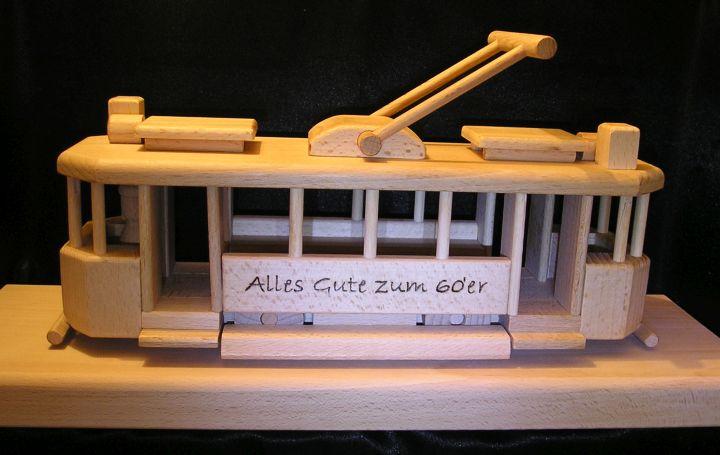 Holz Straßenbahn auf einem Sockel Holzgeschenke Geschenke für Fahrerek