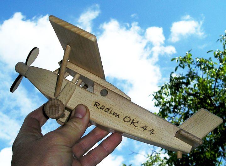 Holz Flugzeug Typ Pilatus Holzspielzeug Geschenke für Pilotenhračky